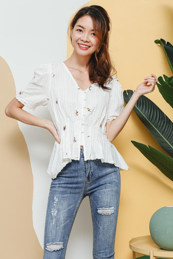 Dream a little Ditsy Embroidery Button Blouse