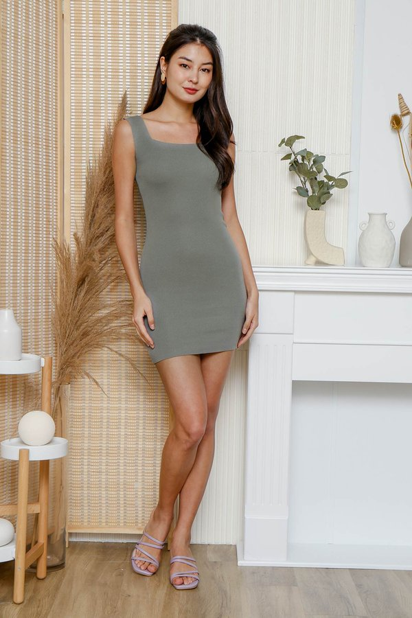 Seamlessly Angled Knit Dress Olive Grey