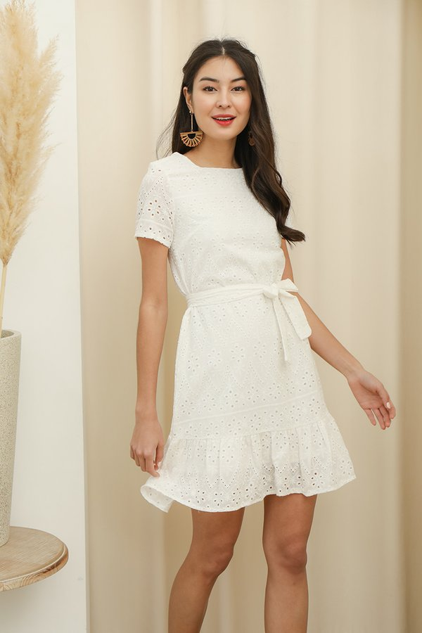 Eyelet Catching Appeal Dropwaist Shift Dress White