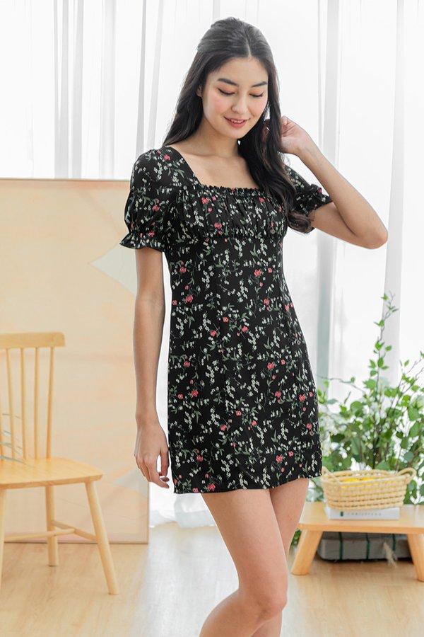 Primroses and Pleasantries Floral Ruched Dress Black