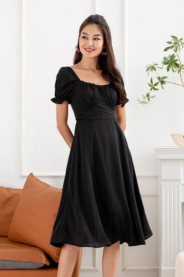 Spritely in Shirs Midi Dress Black